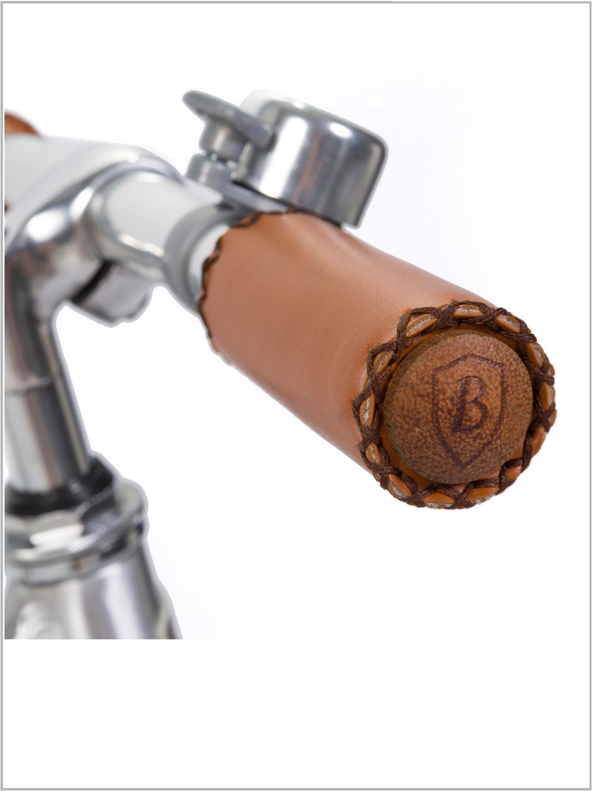 frederickandsophie-kids-lifestyle-banwood-balance-bike